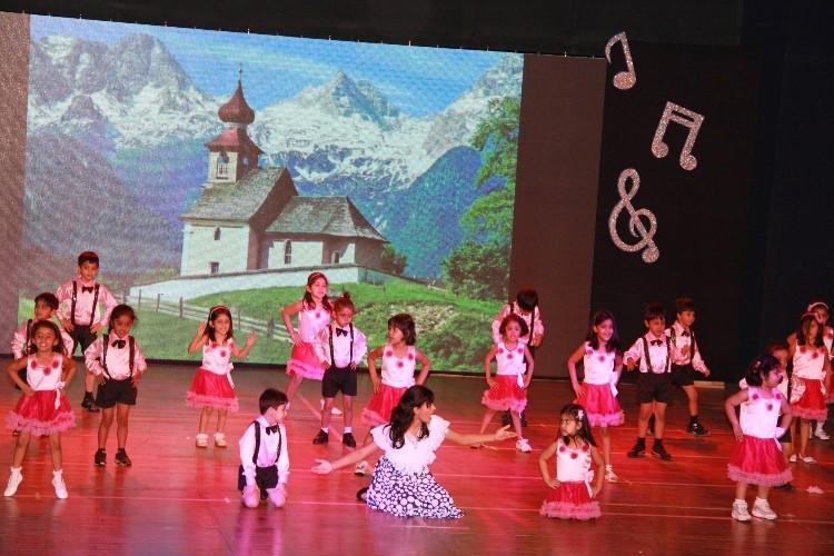 img-performing arts